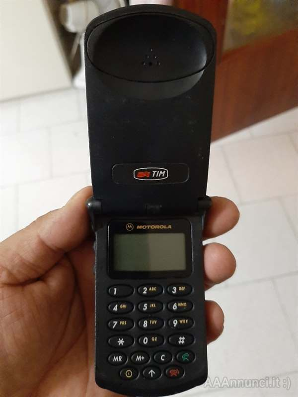Cellulare Star tac anni 80