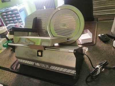 Affettatrice elettrica Novitalia Inox 250-Nuova