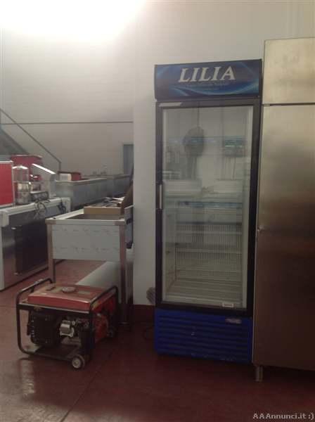 Annunci milano frigoriferi usati frigo e congelatore usato for Ritiro arredamento usato milano